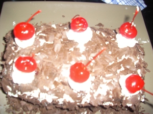 Butter Type cake cover ala Black Forest